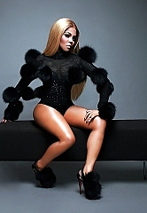 "Grammy Award-winning, Multi-platinum Rapper, Singer, Actress, and Fashion Icon Lil Kim Set to Receive the 2019 ""I Am Hip Hop Award"" at the 2019 Bet ""Hip Hop Awards"""