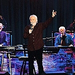 "Kenny Rogers: ""The Gambler's Last Deal"" DVD + CD Package coming December 13th"