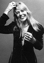 Joni Mitchell to Receive Les Paul Innovation Award at 35th Annual NAMM TEC Awards