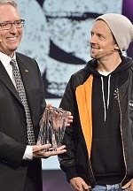 Multi-Grammy Winning Artist and Philanthropist Jason Mraz Honored with the Music for Life Award at The 2020 NAMM Show