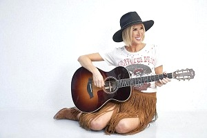 """Country Artist Kimberly Dawn Donates $5,000 to the Red Cross with the Release of Latest Music Video, """"Nashville"""""""