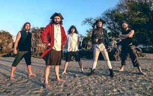 "ALESTORM Releases New Single & Official Video ""Tortuga"""