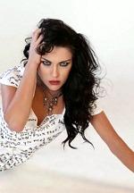 "Powerhouse Singer Rachel Lorin Releases New Single ""Kerosene"" Exploring Toxic Relationship"