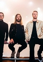 "Moon Taxi Releases Acoustic Version Of ""Hometown Heroes"" -  New Video Shines A Spotlight On Fans' Hometown Heroes"