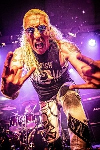 """Heavy Metal Legend DEE SNIDER Unveils Music Video for Live Version of """"I Am The Hurricane"""""""