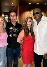 wwe-star-bobby-lashley-with-friends-andiamo-italian-steakhouse-las-vegas