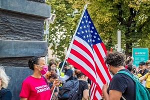 6 Companies Who Support BLM and Deserve Your Business