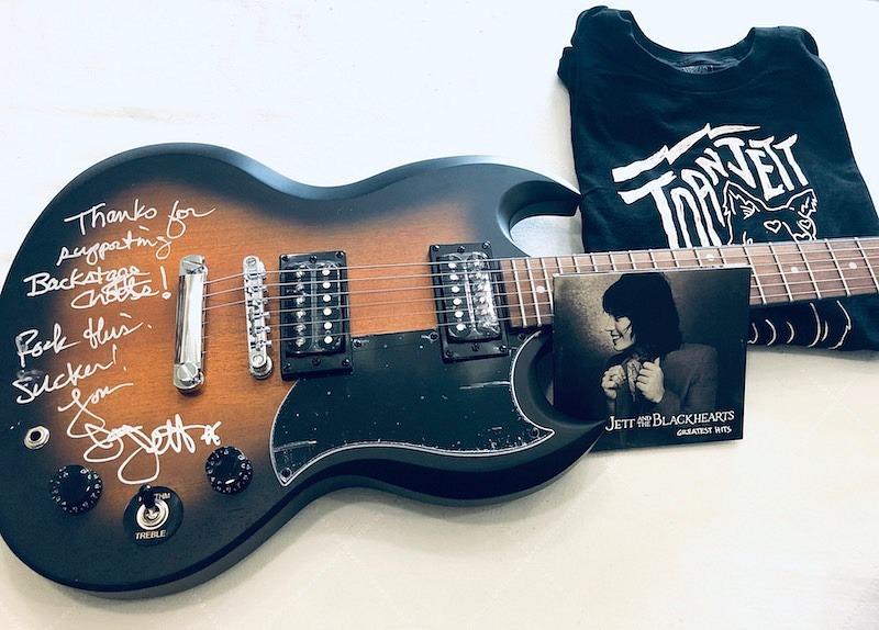 Joan Jett signed an Epiphone SG guitar
