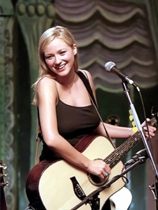 "Grammy-Nominated Singer-Songwriter Jewel To Release 25th Anniversary Package Of Her Landmark Debut Album, ""Pieces Of You"" and Virtual Concert On Nov. 20"