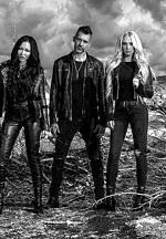 "Rock/Metal Groundbreakers Butcher Babies Release Music Video for ""Bottom of a Bottle"""
