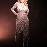 Dolly Parton and Edge Beauty to Create Beautiful Notes With New Fragrance Partnership